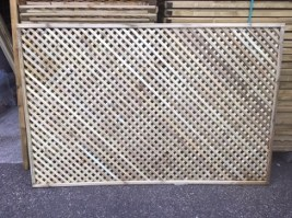 Smooth Diamond Privacy Trellis 90 x 182.8