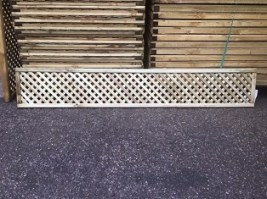 Smooth Diamond Privacy Trellis 30 x 182.8